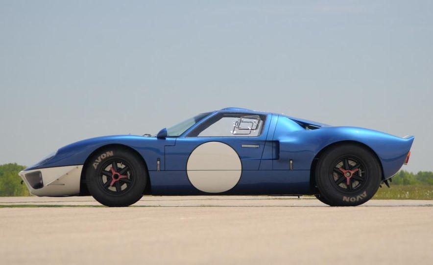 Superformance GT40 MKII - Slide 8