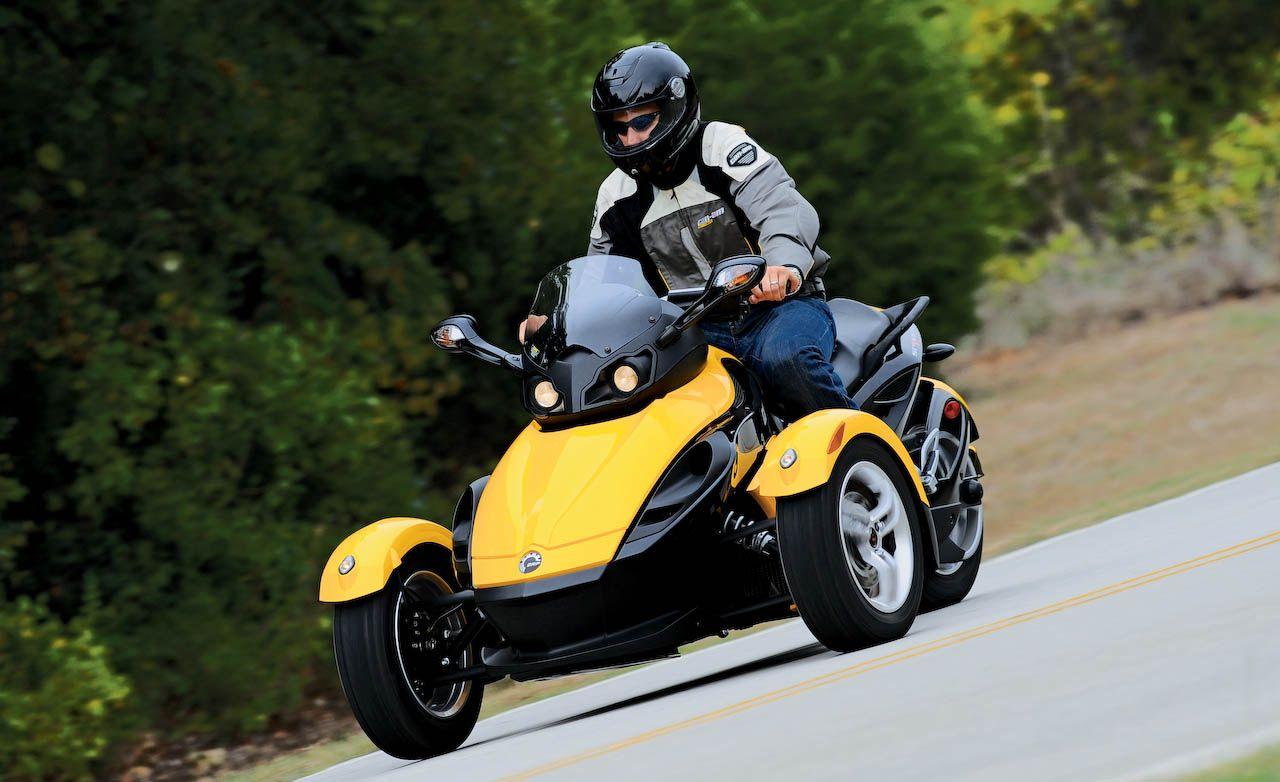 2008 Can-Am Spyder Roadster - Moto.ZombDrive.COM