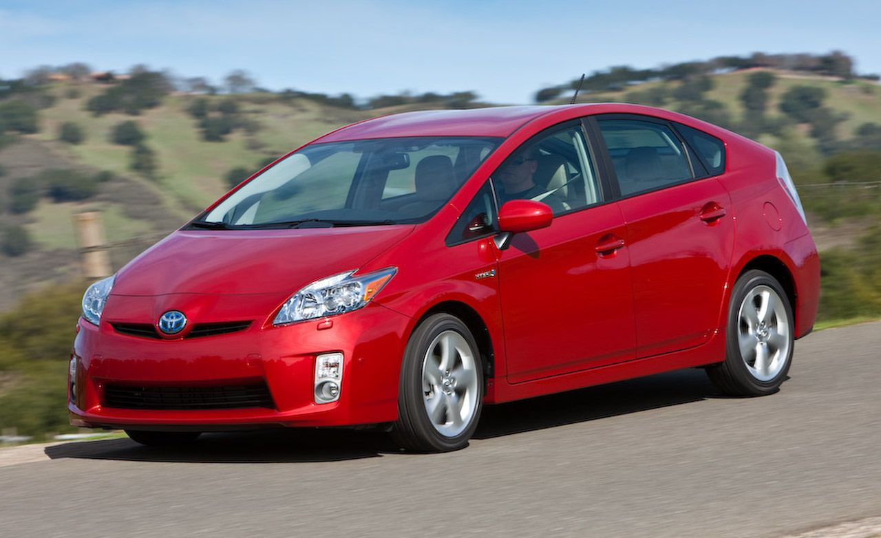 2010 toyota prius review car and driver rh caranddriver com toyota prius 2010 owners manual toyota prius 2010 user manual