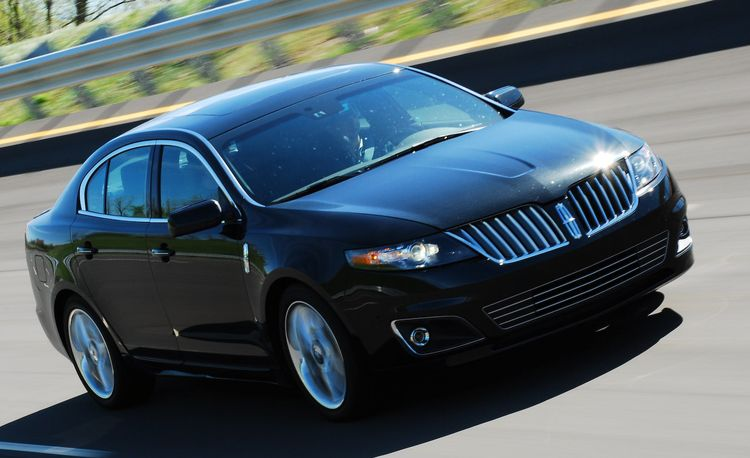 2010 Lincoln MKS with EcoBoost at Milan Dragway