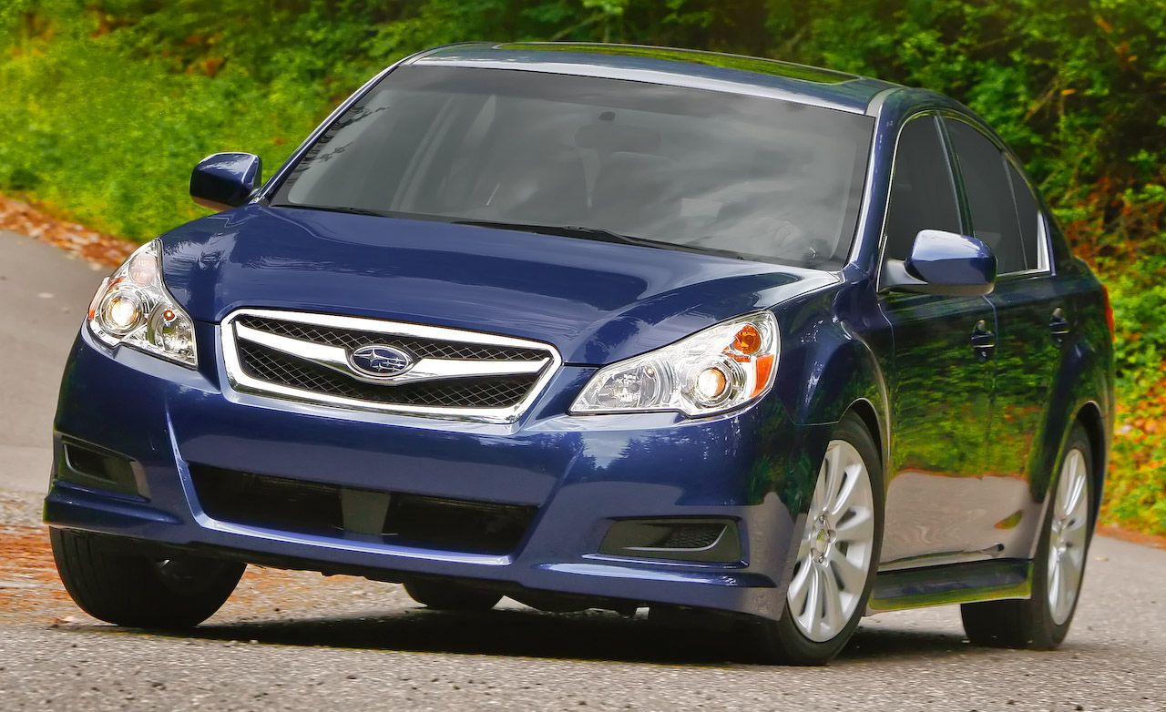 Subaru legacy reviews subaru legacy price photos and specs 2010 subaru legacy vanachro Images