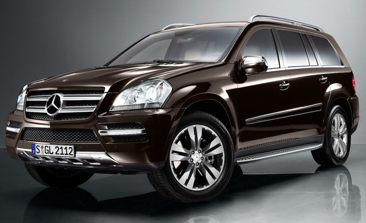 2010 Mercedes Benz Gl Class Gl350 Bluetec Gl450 Gl550 Auto Shows News Car And Driver