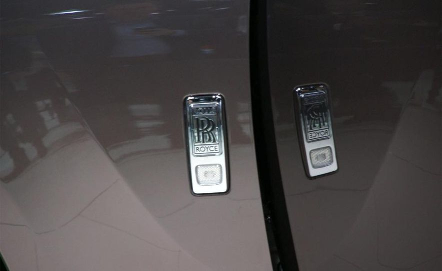 2010 Rolls-Royce Ghost - Slide 21