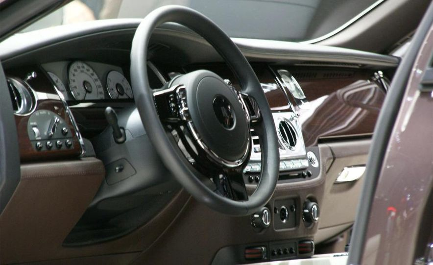 2010 Rolls-Royce Ghost - Slide 33