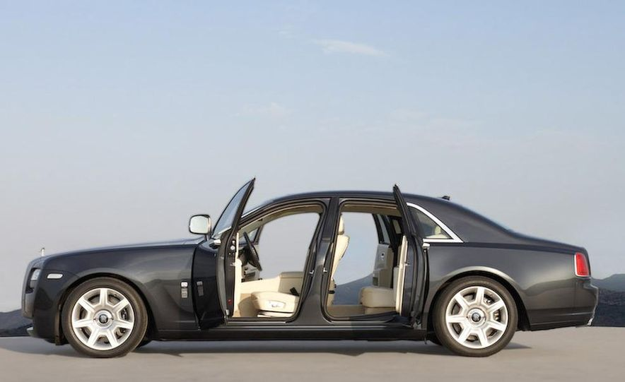 2010 Rolls-Royce Ghost - Slide 52