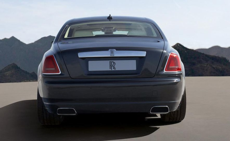2010 Rolls-Royce Ghost - Slide 43