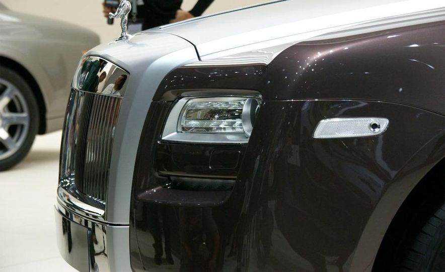 2010 Rolls-Royce Ghost - Slide 20