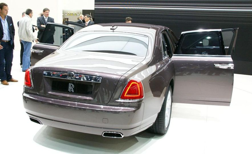 2010 Rolls-Royce Ghost - Slide 8