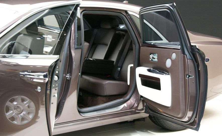 2010 Rolls-Royce Ghost - Slide 10