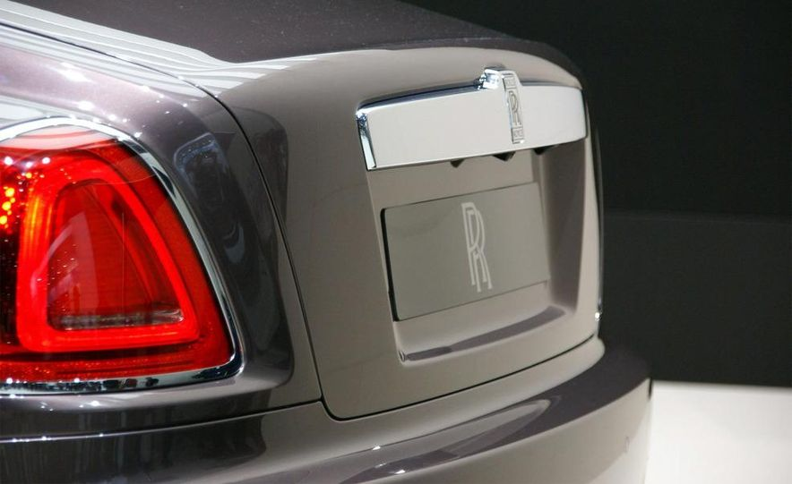 2010 Rolls-Royce Ghost - Slide 27
