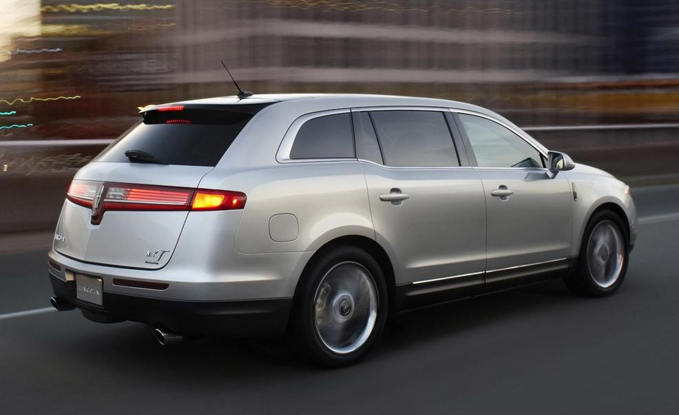 Lincoln Mkt Reviews Price Photos And Specs Car Driver