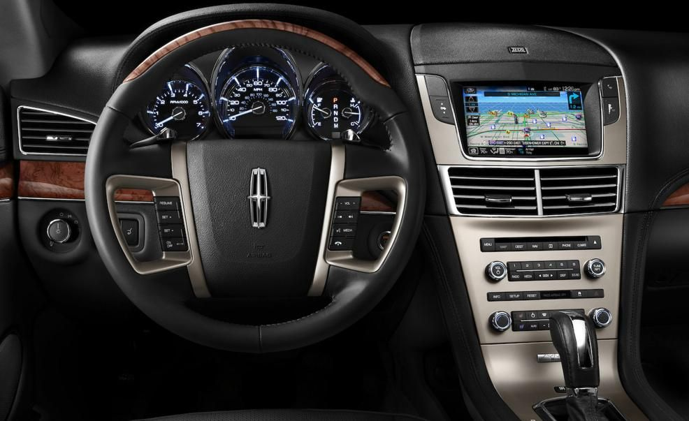 2019 Lincoln Mkt Reviews Price Photos And Specs Car Driver