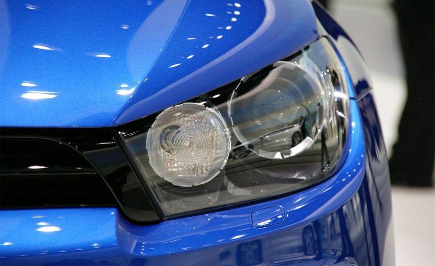 2010 Volkswagen Scirocco R - Slide 17