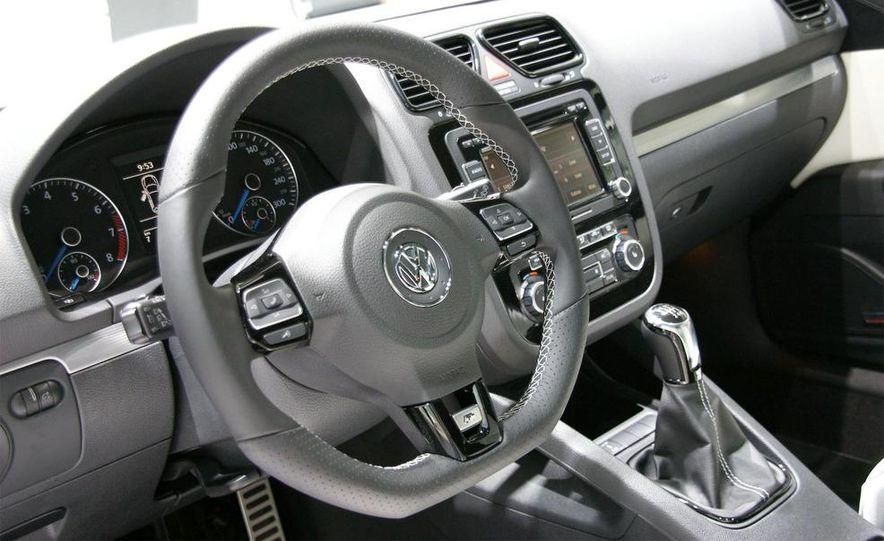 2010 Volkswagen Scirocco R - Slide 22
