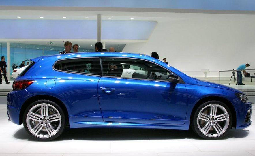 2010 Volkswagen Scirocco R - Slide 9