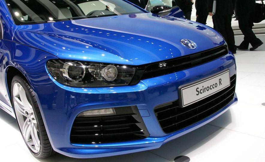 2010 Volkswagen Scirocco R - Slide 12