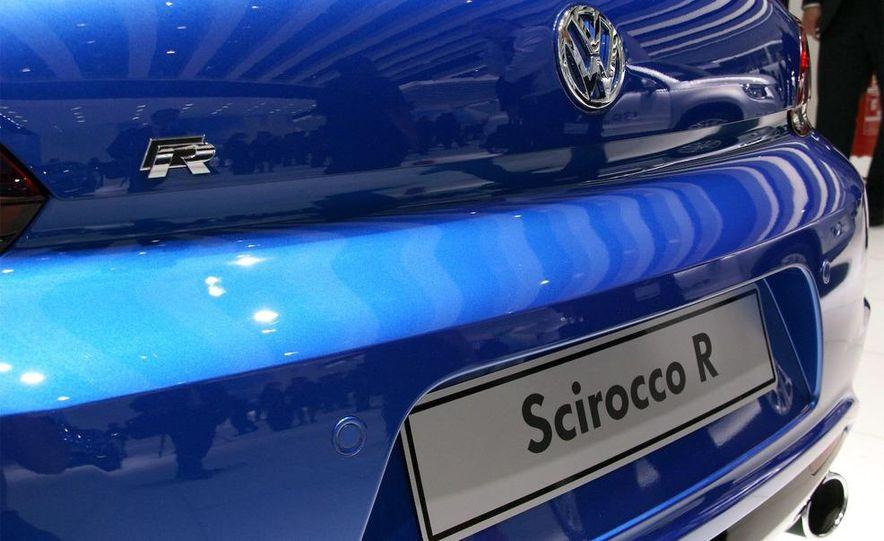 2010 Volkswagen Scirocco R - Slide 25