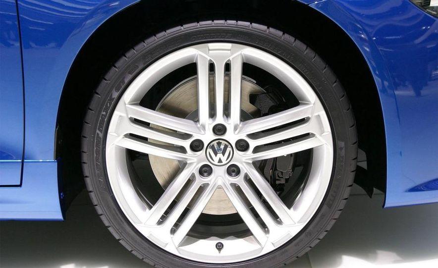 2010 Volkswagen Scirocco R - Slide 19