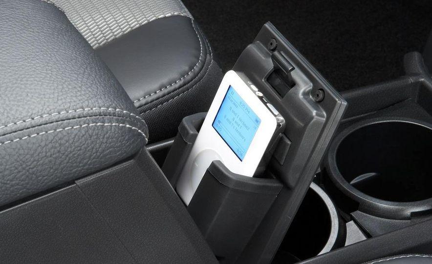2009 Dodge Dakota crew cab V-8 4x4 - Slide 70