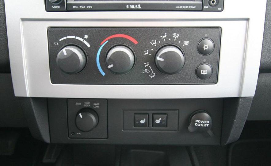 2009 Dodge Dakota crew cab V-8 4x4 - Slide 55