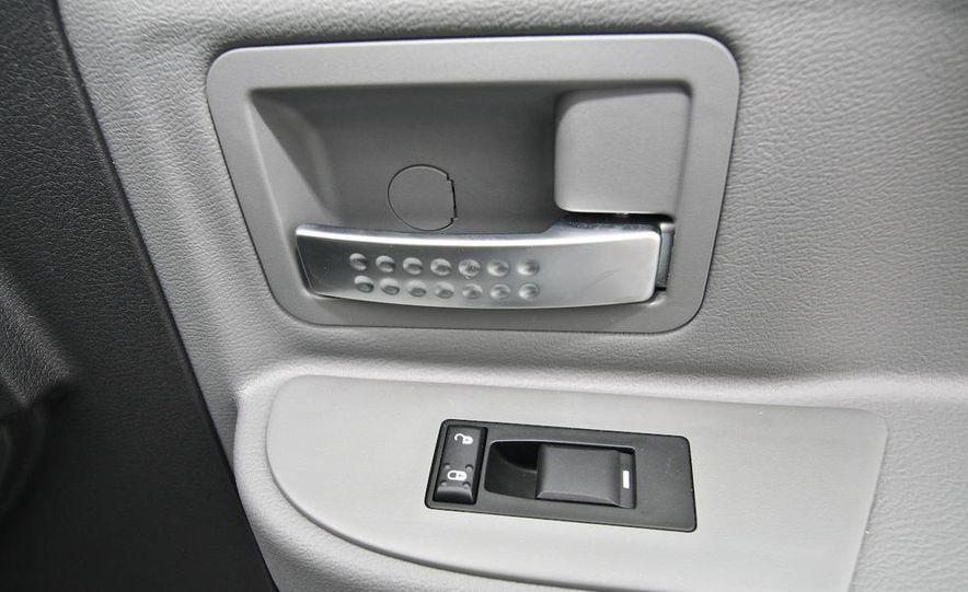 2009 Dodge Dakota crew cab V-8 4x4 - Slide 58