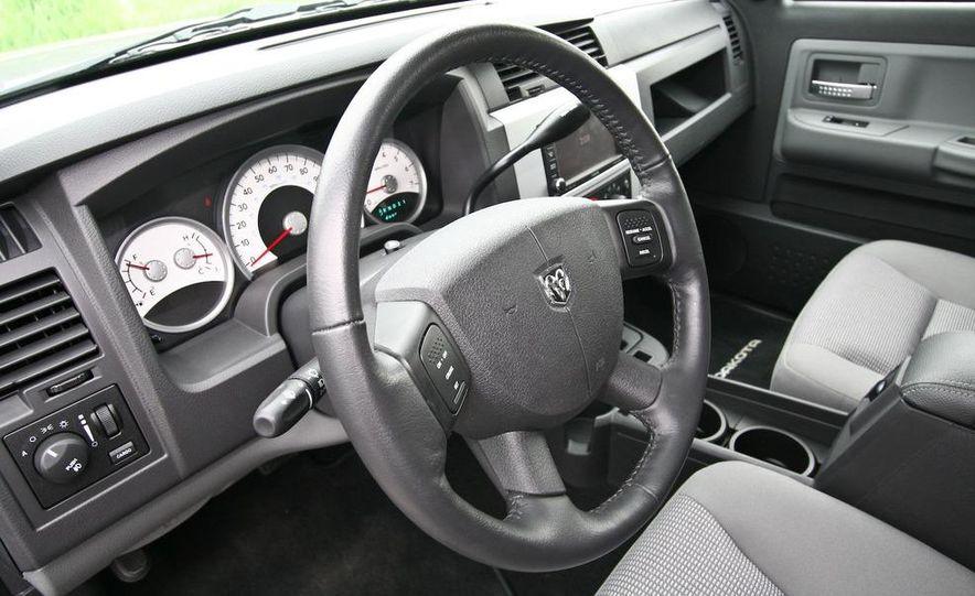 2009 Dodge Dakota crew cab V-8 4x4 - Slide 49