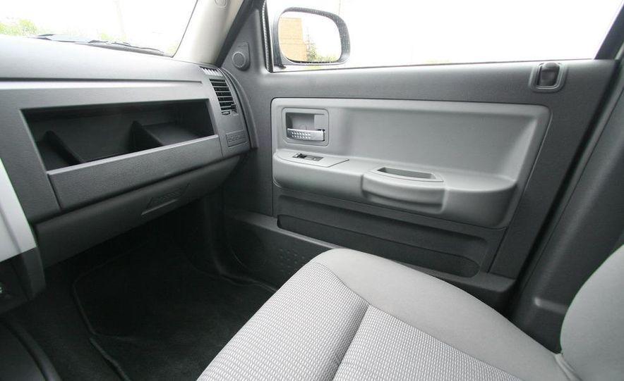 2009 Dodge Dakota crew cab V-8 4x4 - Slide 56