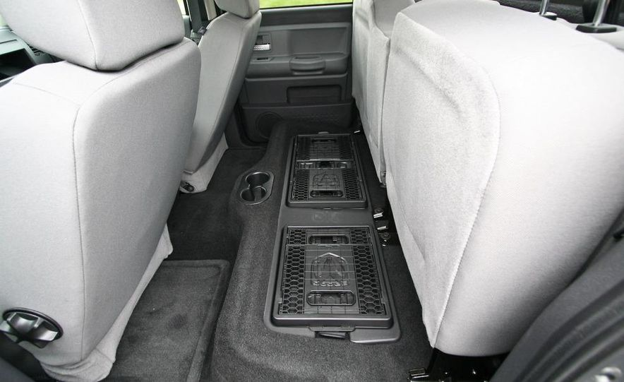 2009 Dodge Dakota crew cab V-8 4x4 - Slide 62