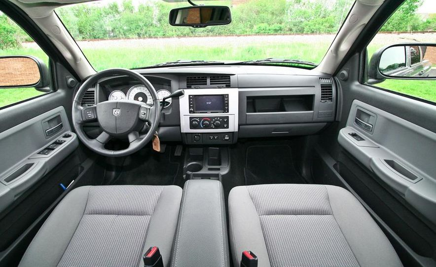 2009 Dodge Dakota crew cab V-8 4x4 - Slide 52