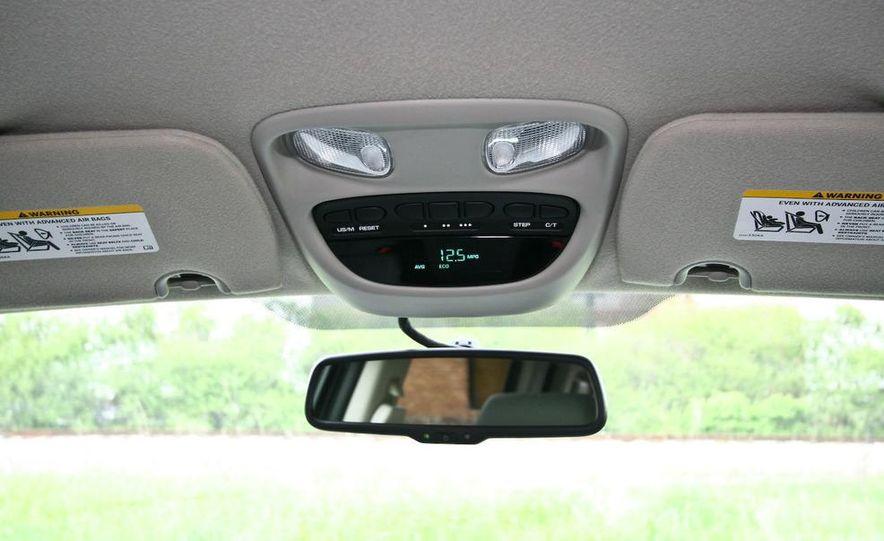 2009 Dodge Dakota crew cab V-8 4x4 - Slide 60