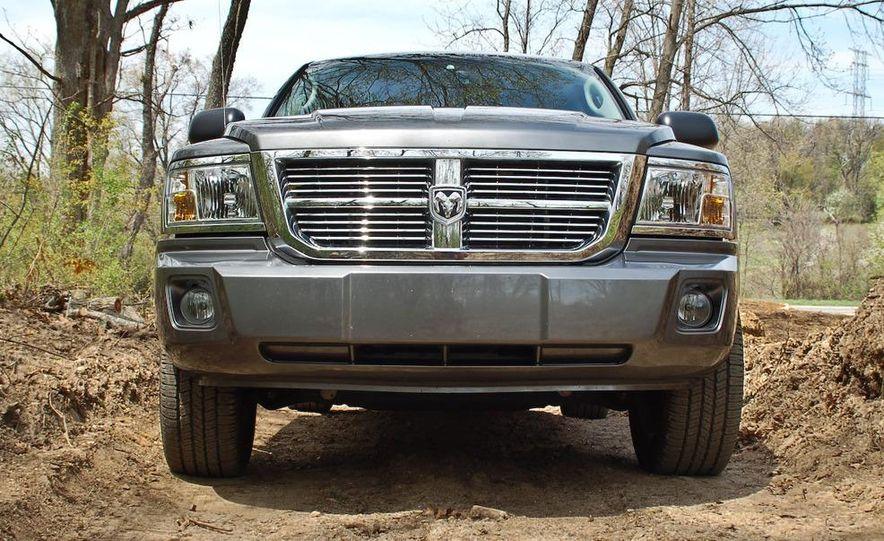 2009 Dodge Dakota crew cab V-8 4x4 - Slide 44