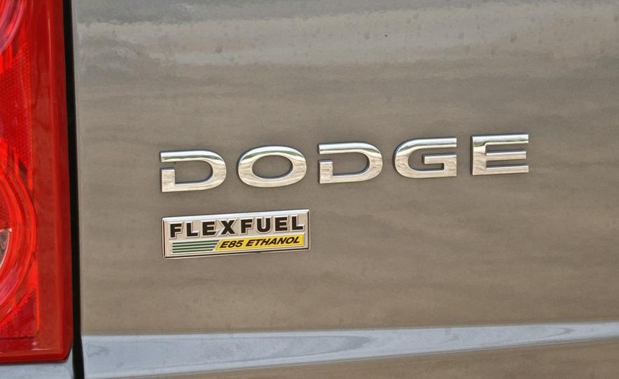 2009 Dodge Dakota crew cab V-8 4x4 - Slide 46