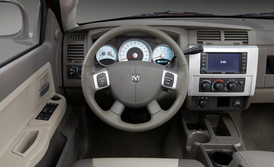 2009 Dodge Dakota crew cab V-8 4x4 - Slide 71
