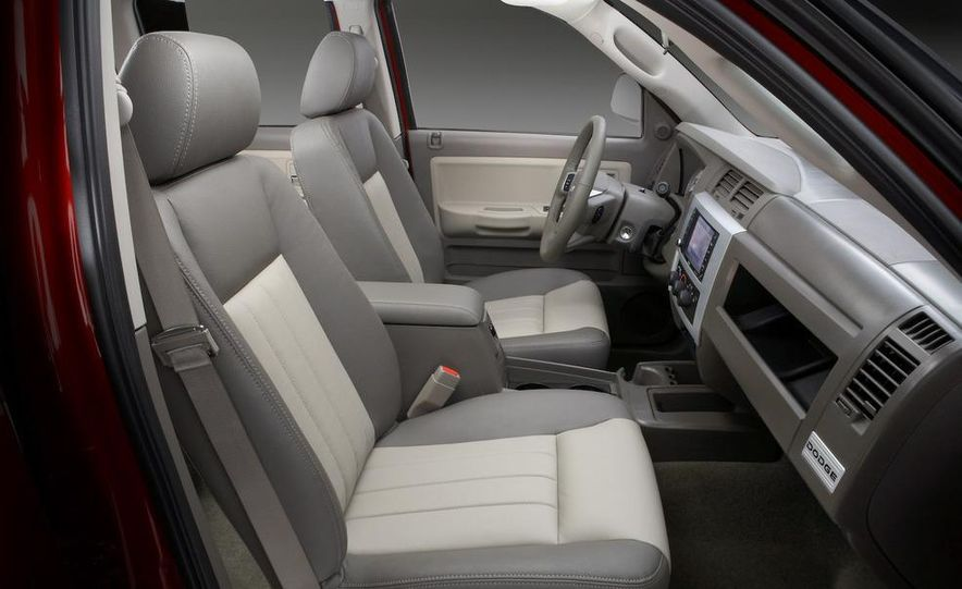 2009 Dodge Dakota crew cab V-8 4x4 - Slide 72