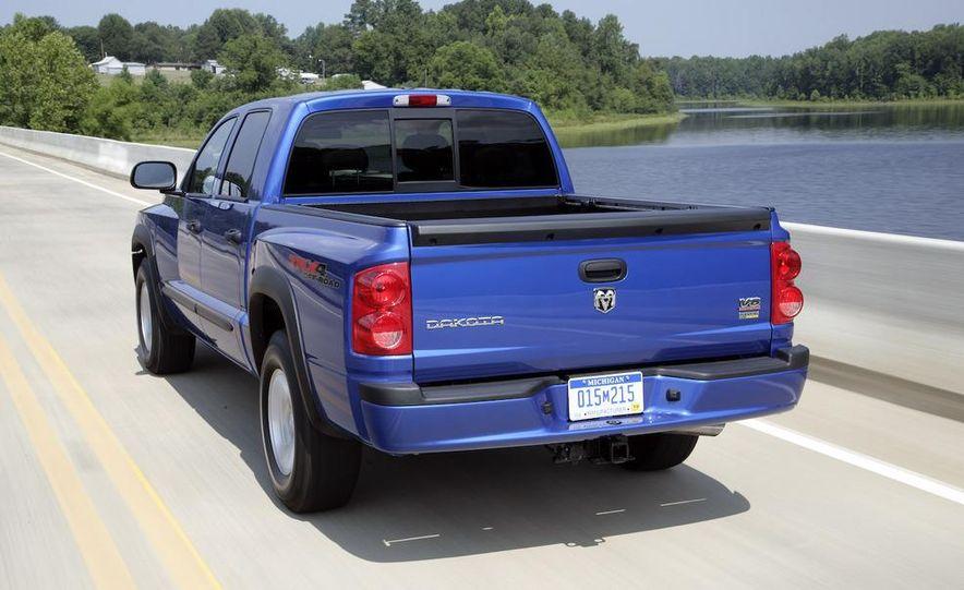 2009 Dodge Dakota crew cab V-8 4x4 - Slide 30