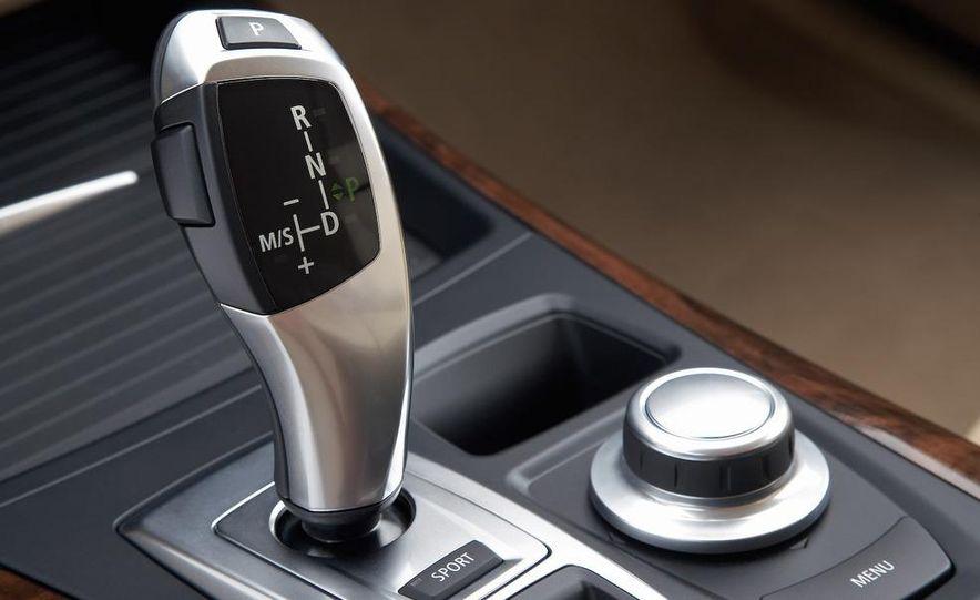 2009 BMW X5 xDrive48i - Slide 37