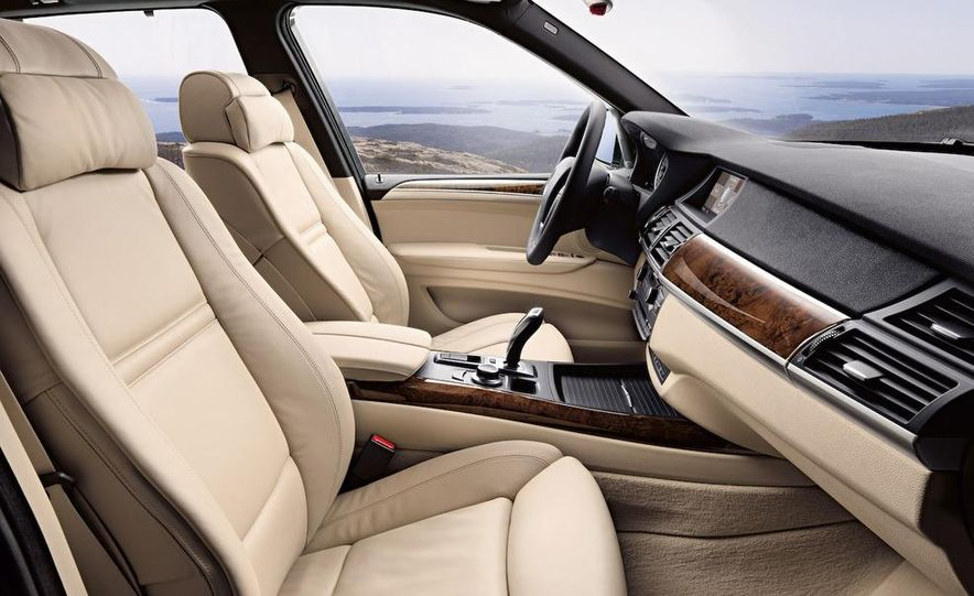 2009 BMW X5 xDrive48i - Slide 33