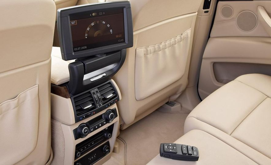 2009 BMW X5 xDrive48i - Slide 35