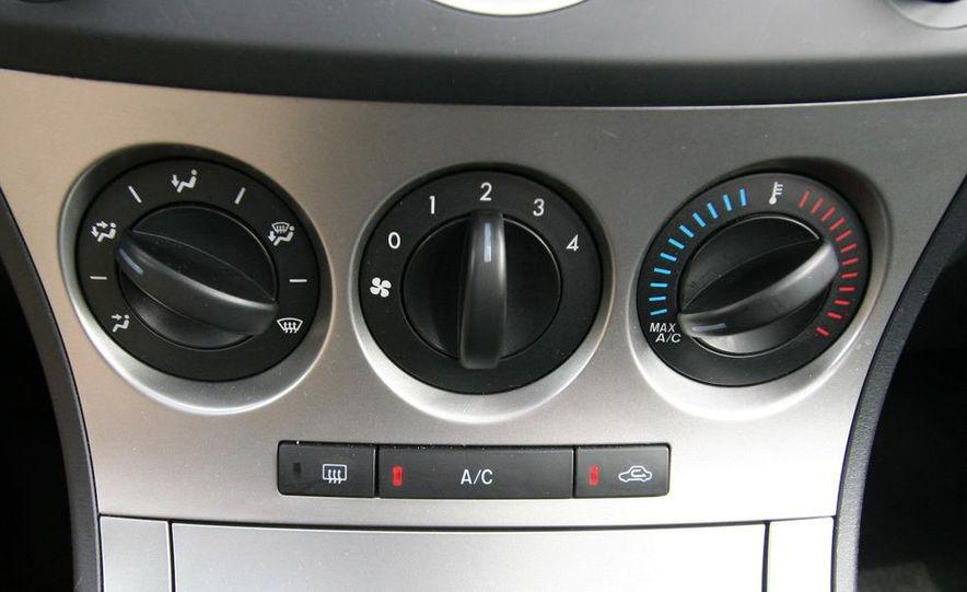 2010 Mazda 3 s 5-door Sport - Slide 30