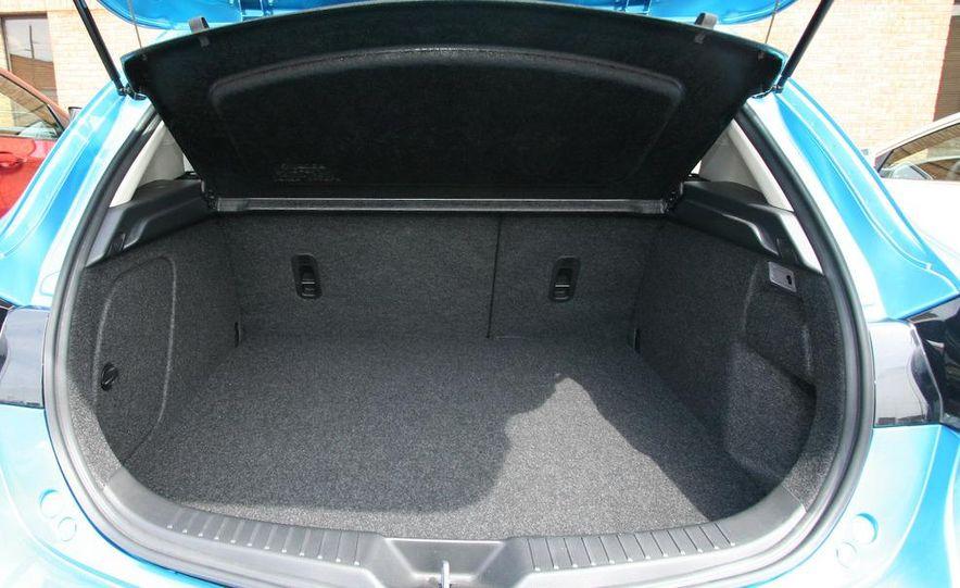2010 Mazda 3 s 5-door Sport - Slide 36