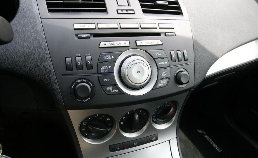 2010 Mazda 3 s 5-door Sport - Slide 29