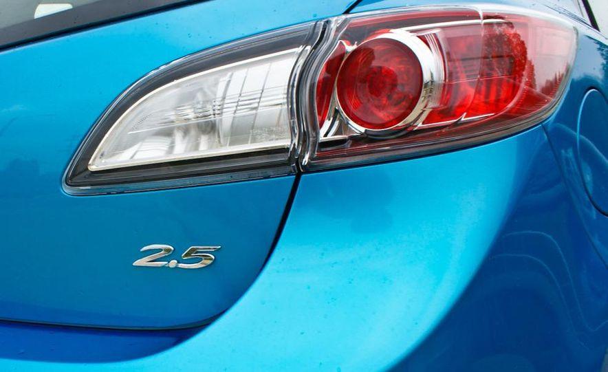 2010 Mazda 3 s 5-door Sport - Slide 21