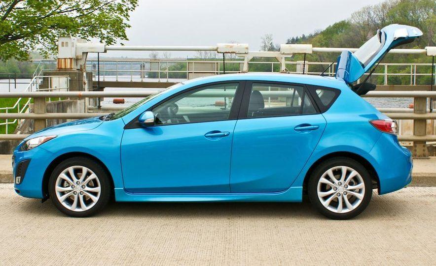 2010 Mazda 3 s 5-door Sport - Slide 9