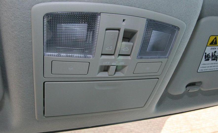 2010 Mazda 3 s 5-door Sport - Slide 32