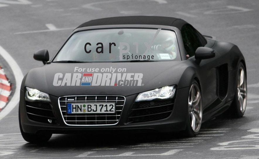 2011 Audi R8 Spyder 5.2 V-10 (spy photo) - Slide 1