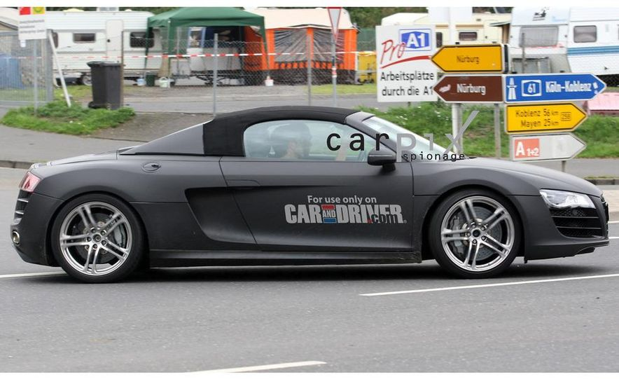 2011 Audi R8 Spyder 5.2 V-10 (spy photo) - Slide 10