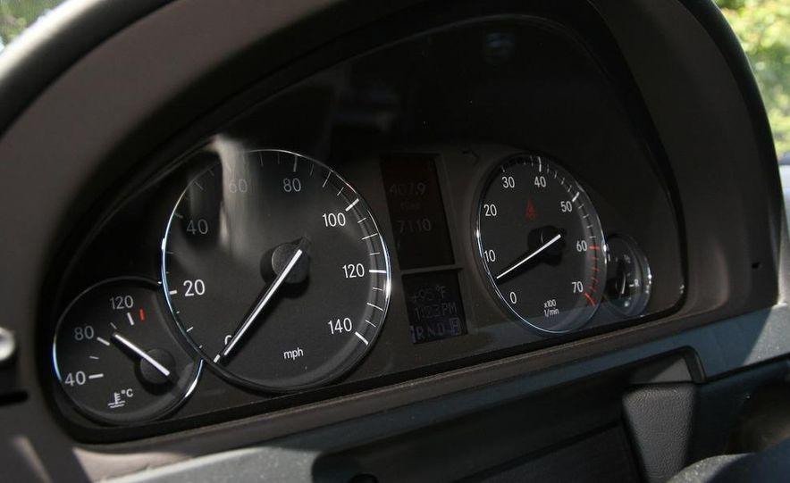 2009 Mercedes-Benz G550 - Slide 40