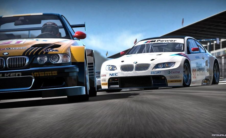 2009 BMW M3 GT2 and 2008 Porsche 911 GT3 RS screenshot - Slide 19
