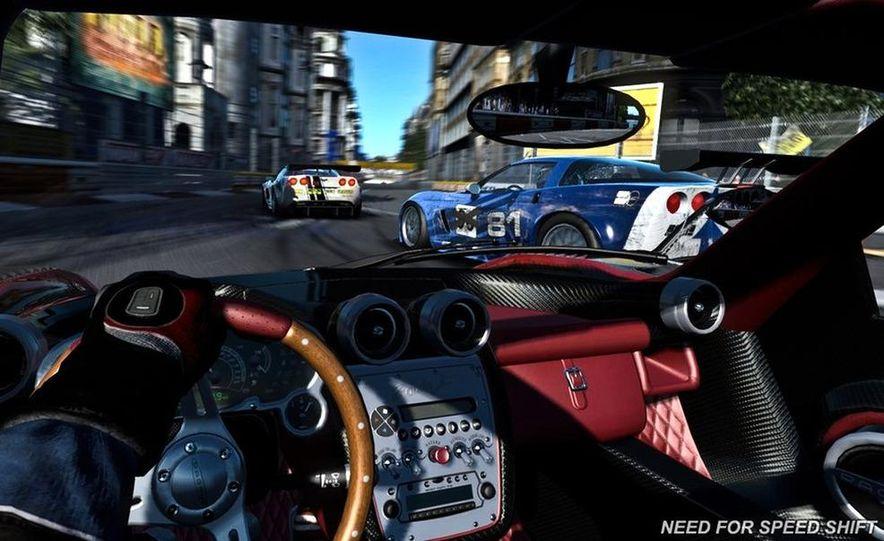 2009 BMW M3 GT2 and 2008 Porsche 911 GT3 RS screenshot - Slide 9