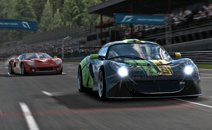 2009 BMW M3 GT2 and 2008 Porsche 911 GT3 RS screenshot - Slide 15